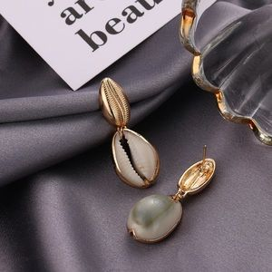 Jewelry - Trendy Gold shells earrings 🐚
